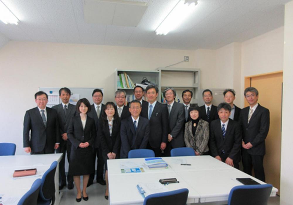 開設時の16人の専任教員