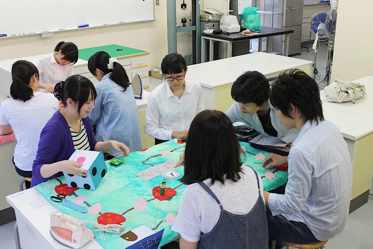 弘前大学 教育学部 小学校コース