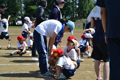 授業・実習風景 運動会を通して子どもとのコミュニケ-ションを深めます