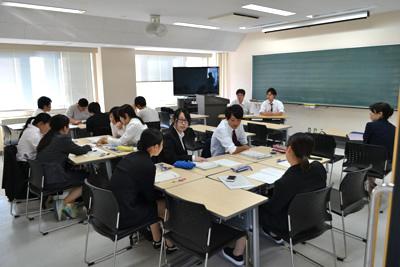 授業・実習風景 大学に戻ってグループ討議
